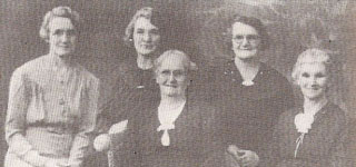 SLOGGETT, Maud Jemima - LIZ (unidentified) - SYMINGTON, Mary Jane - SLOGGETT, Rebecca Jane - SLOGGETT, Annie Bathsheba