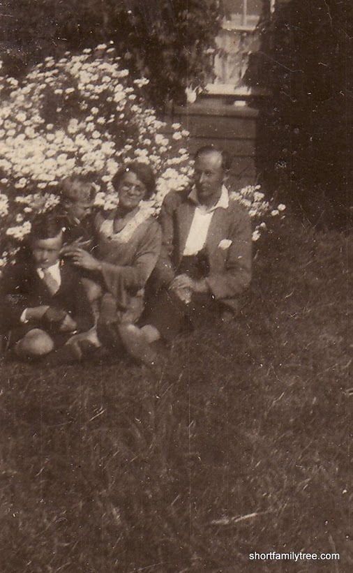 GILKES, Ernest Victor, LYNCH, Lucy Katherine Sarah, GILKES, Herbert Elwin & Gilkes, Norman Beauford